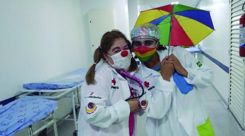 Instituto Julio Simões leva doutores palhaços para Santa Casa de Mogi